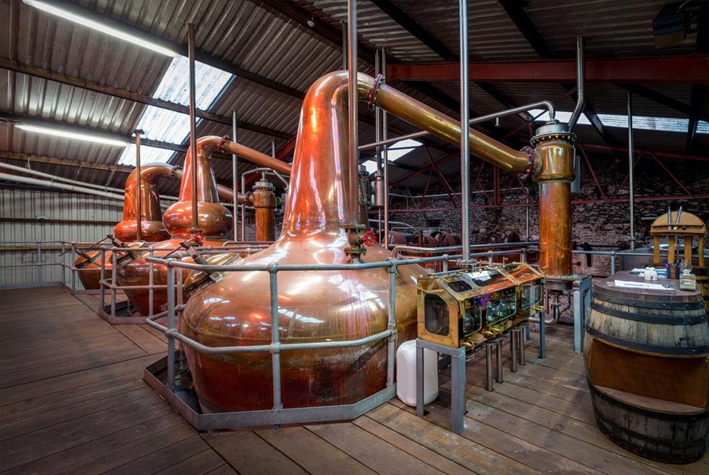 Brennblasen Whisky Herstellung - Copyright AdobeStock -Peter